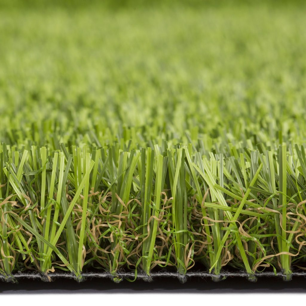 How to Choose the Best Artificial Grass for Commercial and Public Use