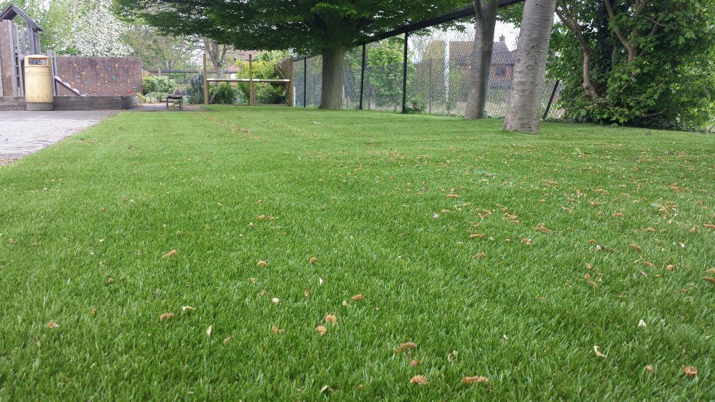 6 Benefits of Using an Artificial Grass Foam Underlay
