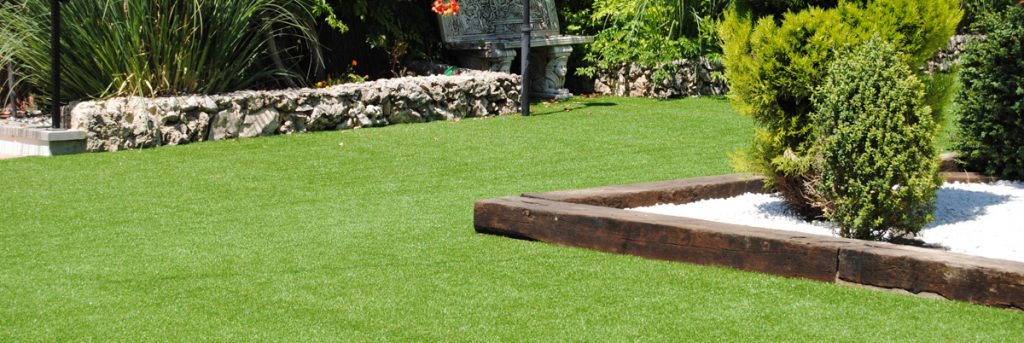 8 Reasons Why Artificial Grass Is Perfect for Your Pub or Restaurant