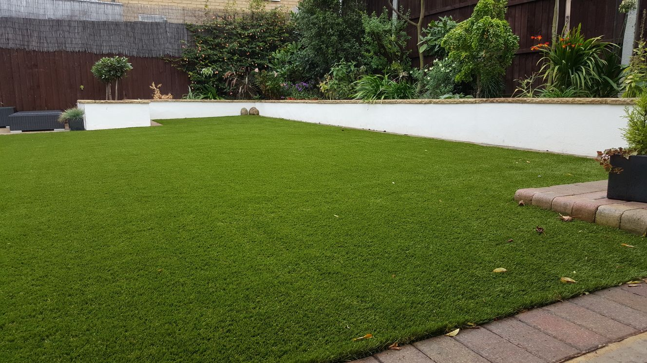 When is the Best Time of Year to Install Artificial Grass?
