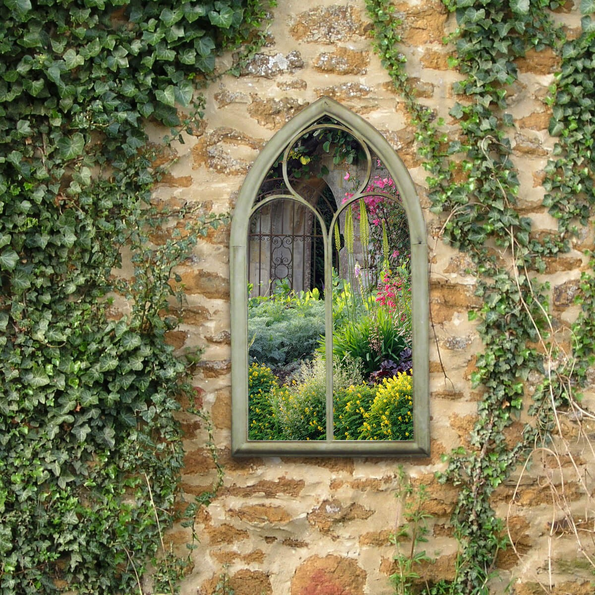 Mirror In Garden: 10 Garden Design Ideas For Small Gardens