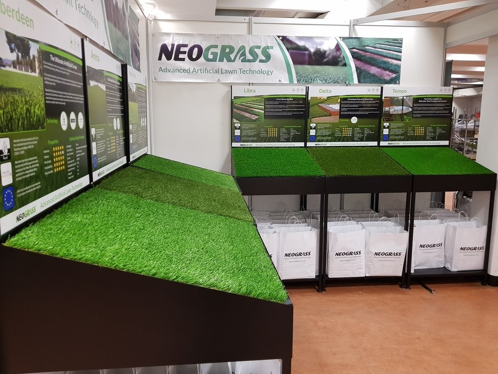 neograss artificial grass product display