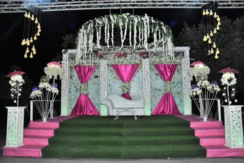 artificial grass altar at a wedding