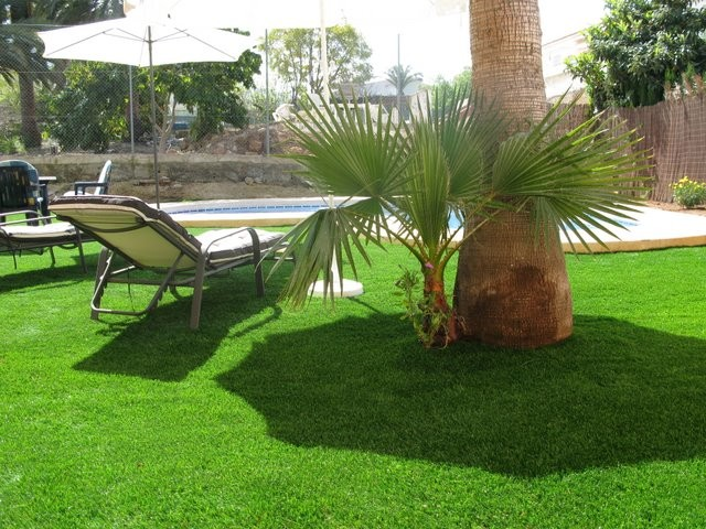 artificial grass for hotels uk