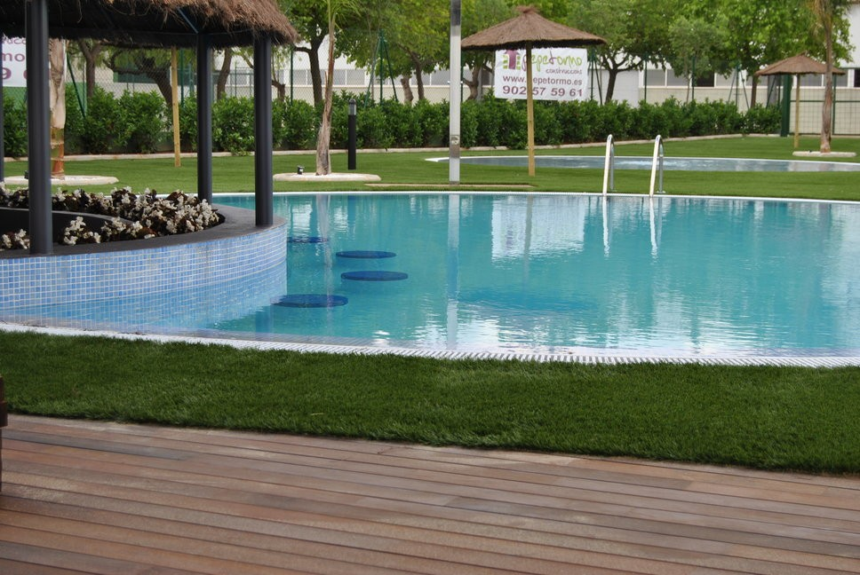artificial grass hotel swimming pool